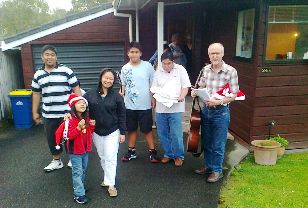 Sharing the Spirit of Christmas in Auckland through Caroling (2/6)