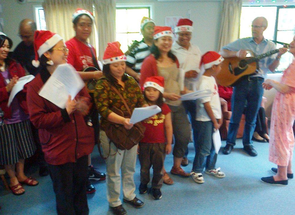 Sharing the Spirit of Christmas in Auckland through Caroling (1/6)